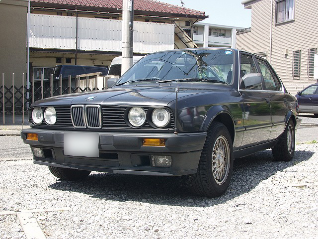 BMWE30_3.jpg