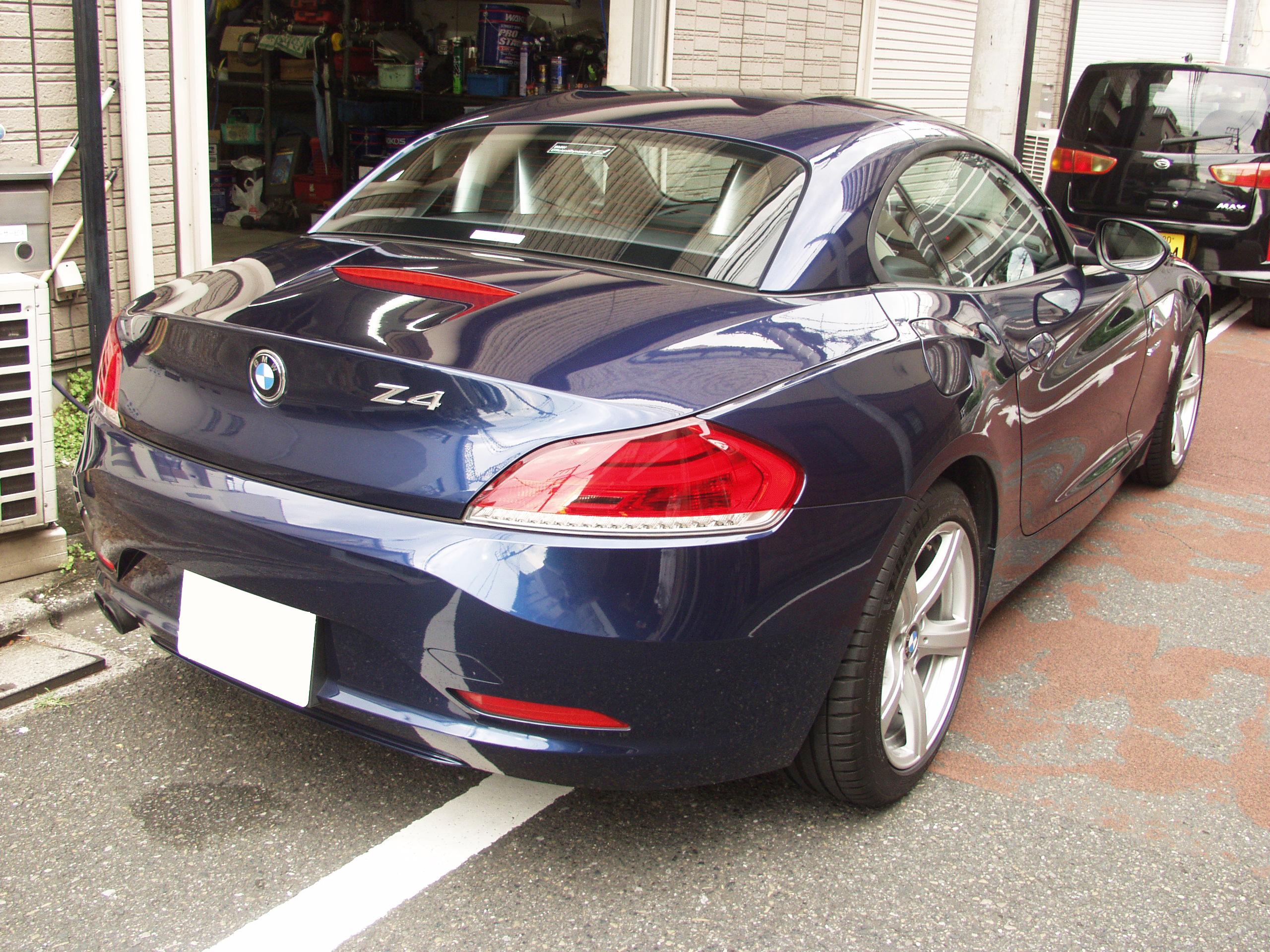 BMW E89 Z4 右後方の画像